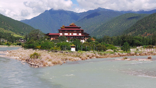 The Punakha Dzong, built by the first Shabdrung Ngawang Namgyal (1596-1651). Photo by Valter Bianchini