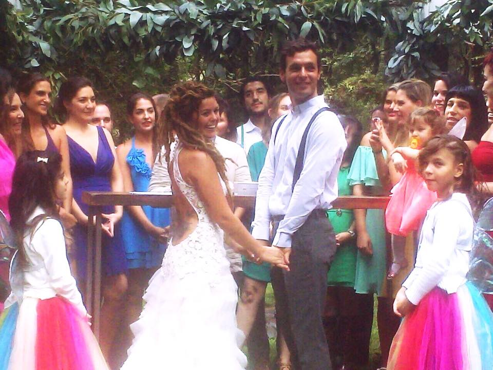 Ana Couchonnal married Brian Pascua on November 15, 2014 in Valle de Bravo Edo. De Mex., Mexico