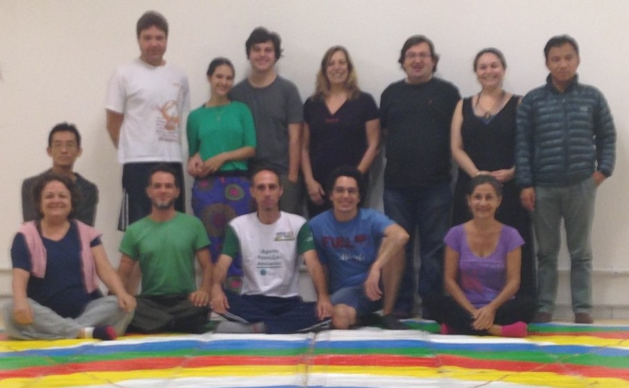 Vajra Dance Course of the Dance That Benefits Beings with Nélida Saporiti from October 16-18, 2015 in Sao Paolo, Brazil. Twelve people attended the course.
