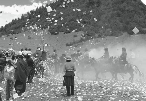 Losar celebration with horses. Photo L. Ottaviani