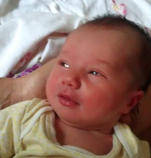 Alila was born to Carolina Mingolla and Carlos Hernandez on February 25, 2016 in El Durazno, Cordoba, Argentina. Her grandmother Teresa Salellas and Maru Faria y Mili RW assisted at her birth.