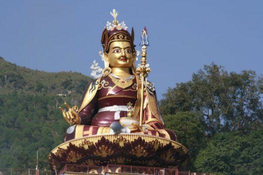 *Big statue of Guru Rinpoche