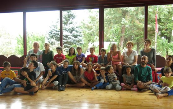 yoga holiday group photo of children and instructors