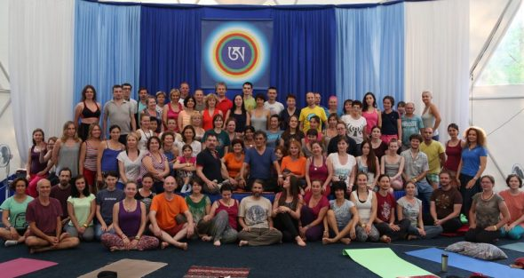 Group photo of participants in harmonious breathing kunsangar