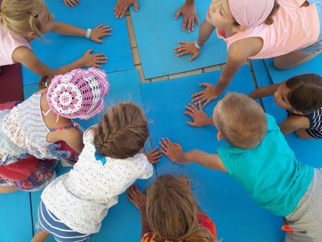 children practising kumar kumari at the estival