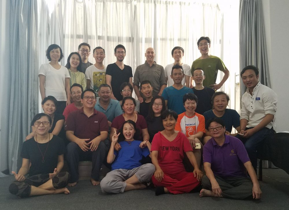 From September 26th to 30th, an introductory Kunye massage course took place for the first time at Samtengar, with Dr. Phuntsog Wangmo. The course covered the basic traditional Tibetan medicine theory, as well as the preliminary, application and after-care of Kunye relaxation.