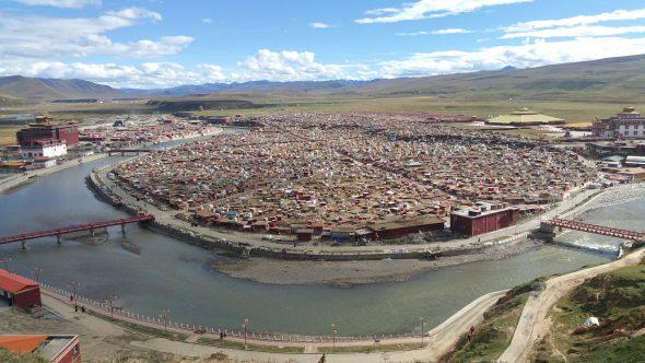 Yarchen Gar settlement